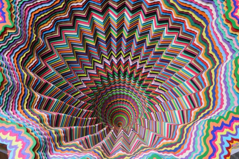 15 Psychedelic Sculptures That Will Blow You Away