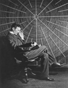 Tesla_Universe_8_Sitting
