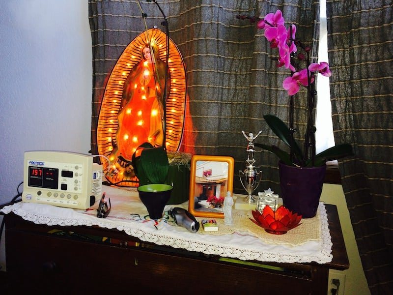 Items in the therapy room. Patients are invited to bring in objects that are meaningful to them.