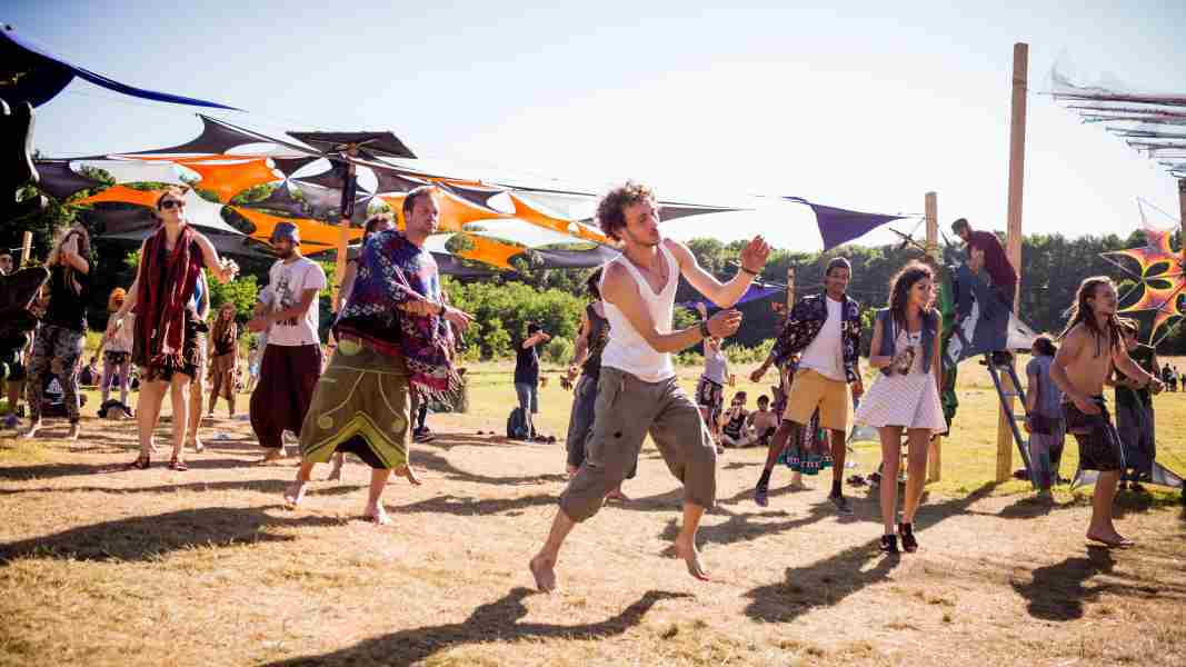 transylvaliens-2015-dancing