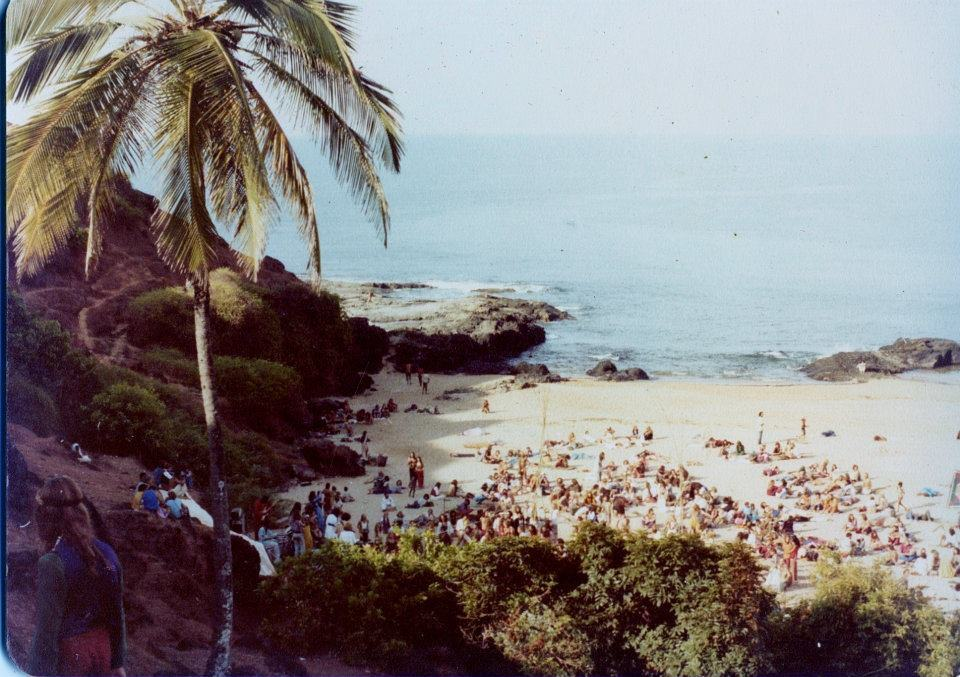 2nd or 3rd Full Moon Party on South Anjuna Beach, Goa, 1976 (Photo by Sunny Schneider).