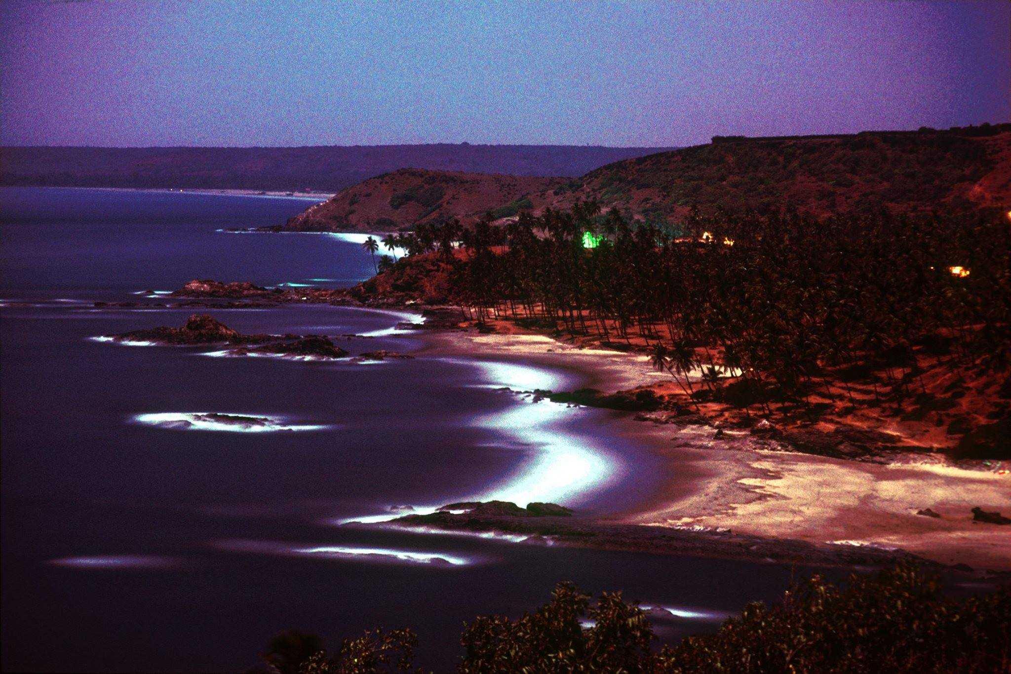 Vagator by Moonlight, Goa, 1976 (Photo by Michel Hilzinger).
