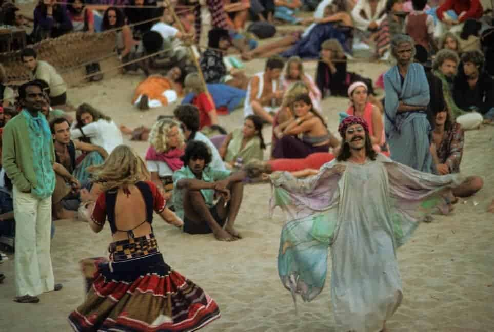Full moon party morning, Anjuna, Goa, 1979 (Photo by Jacques Lastry).