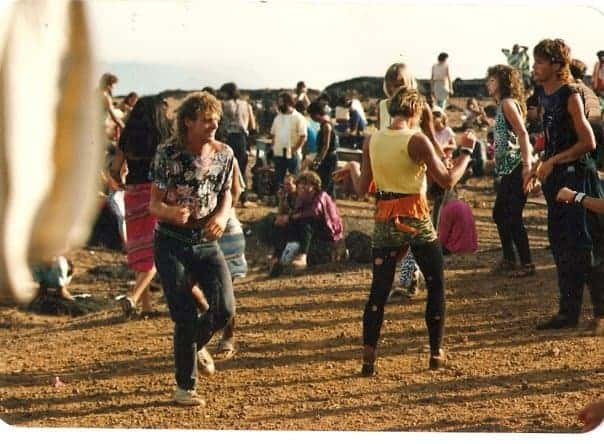 Party on top of Chappora Fort, Goa, 1988 (Photo by Inge Danjuna).