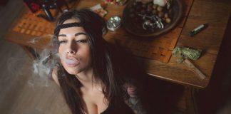 10 Reasons why Girls who Smoke Weed make perfect Girlfriends