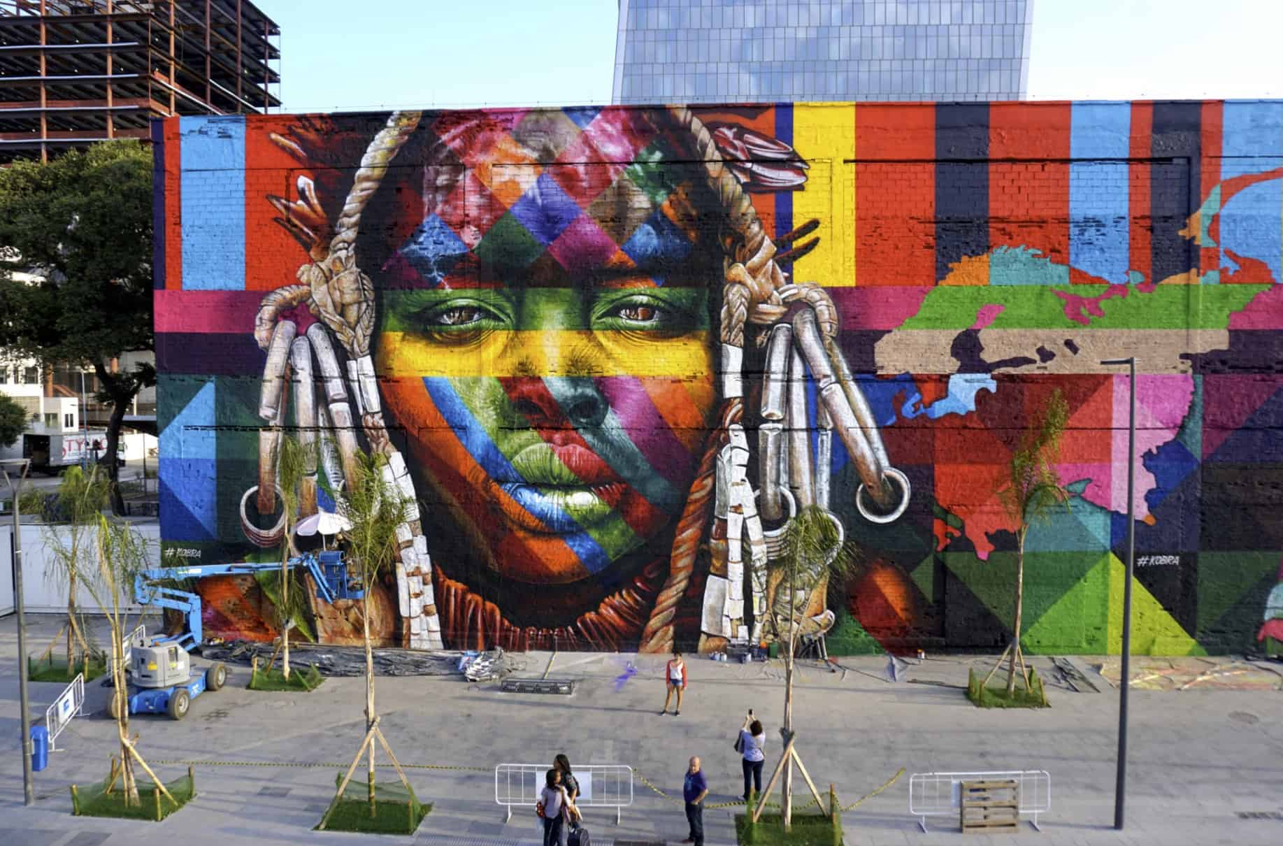 ethnicities art by Eduardo Kobra